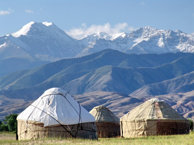 Yurts-and-mountains-in-Kyrgyzstan